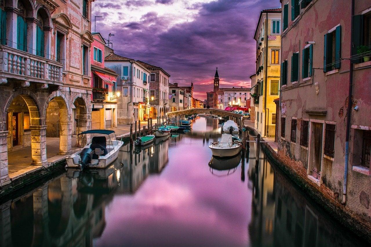 המדריך השלם על לינה ומלונאות בונציה