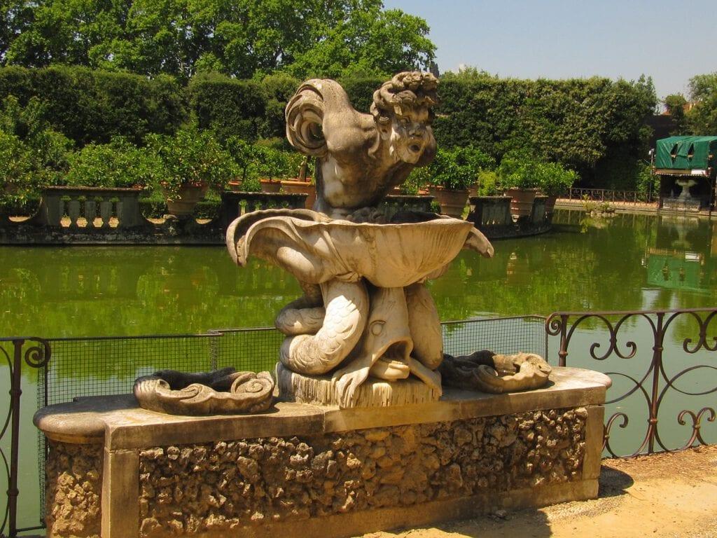 פסל בגני בובולי