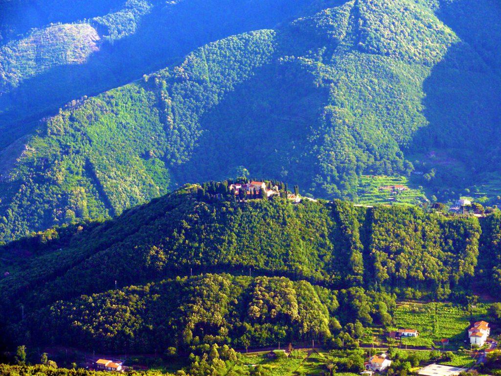 ההרים מעל אמלפי