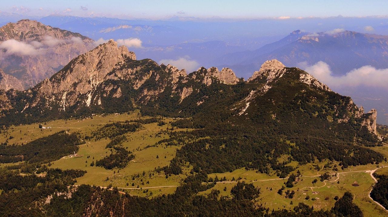 הרכסים בקרבת קמפוגראסו