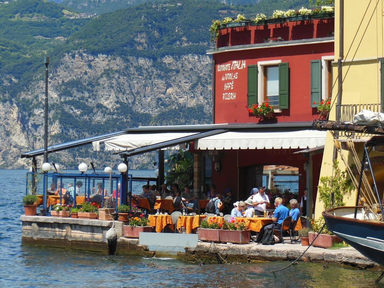 מסעדה במלצ'זינה