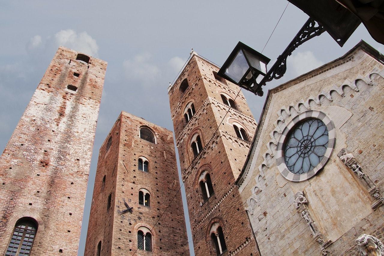 שלושת המגדלים באלבנגה