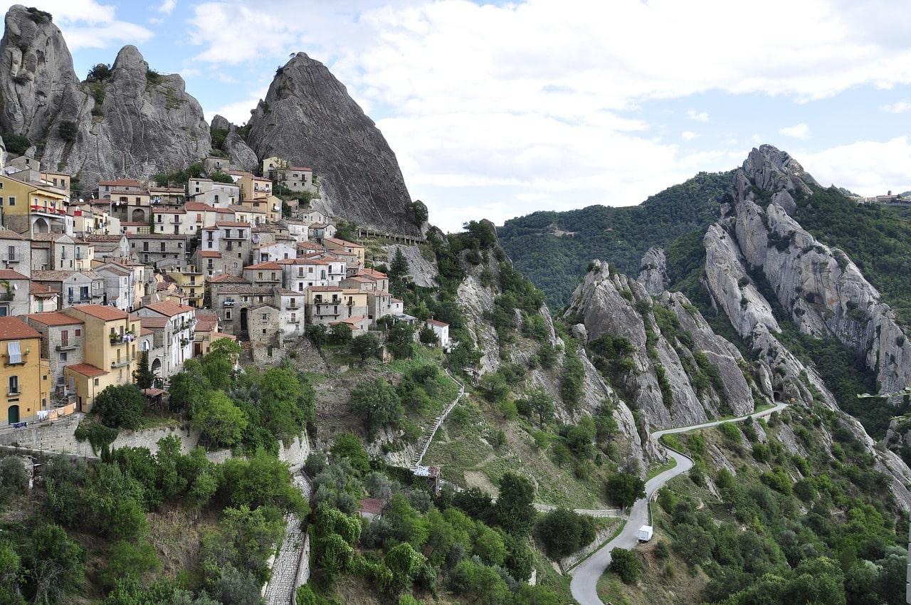 הכפרים ההרריים של בזיליקטה