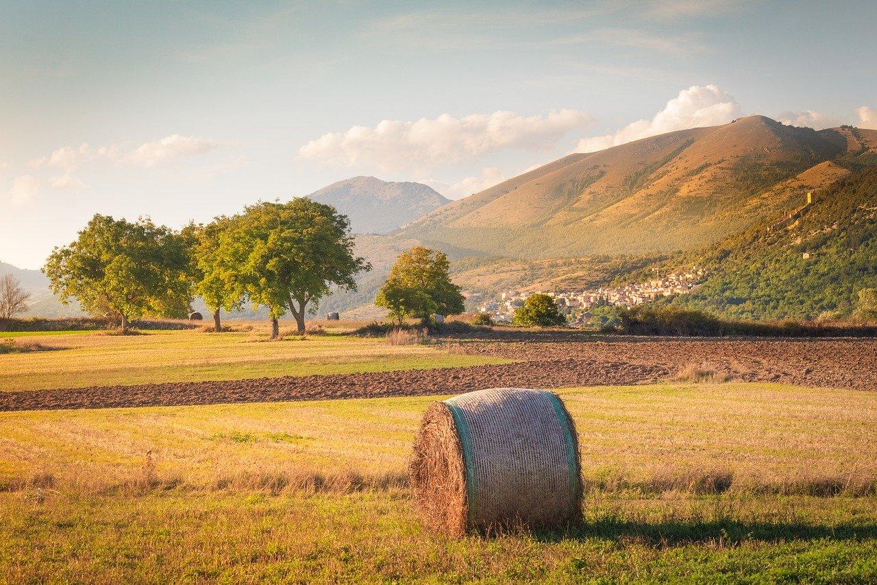 המרחב הכפרי של מחוז אברוצו