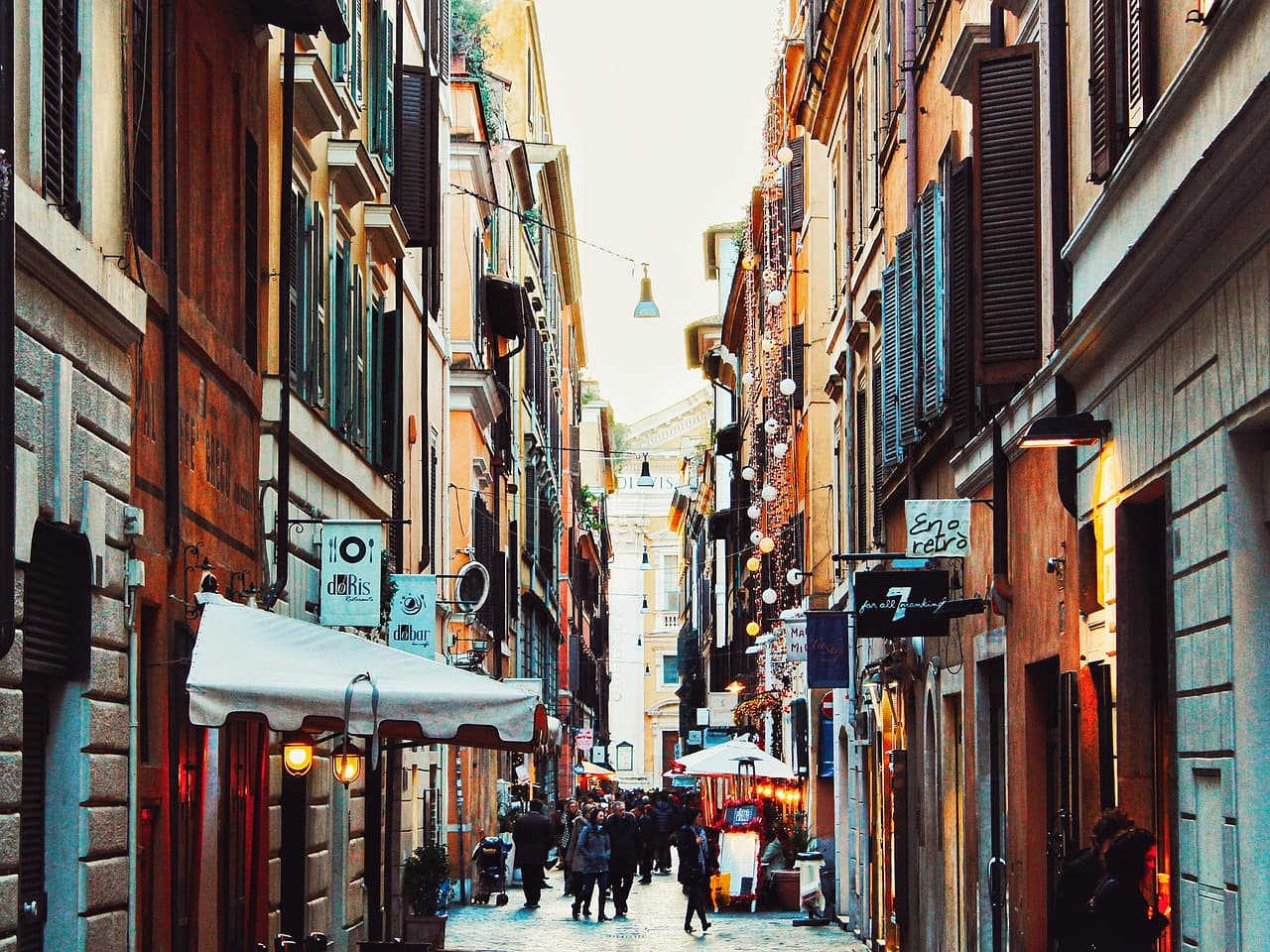 הרחובות ליד פיאצה נבונה